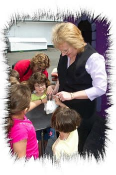 Magicians Sandy's Amazing Children's Magic